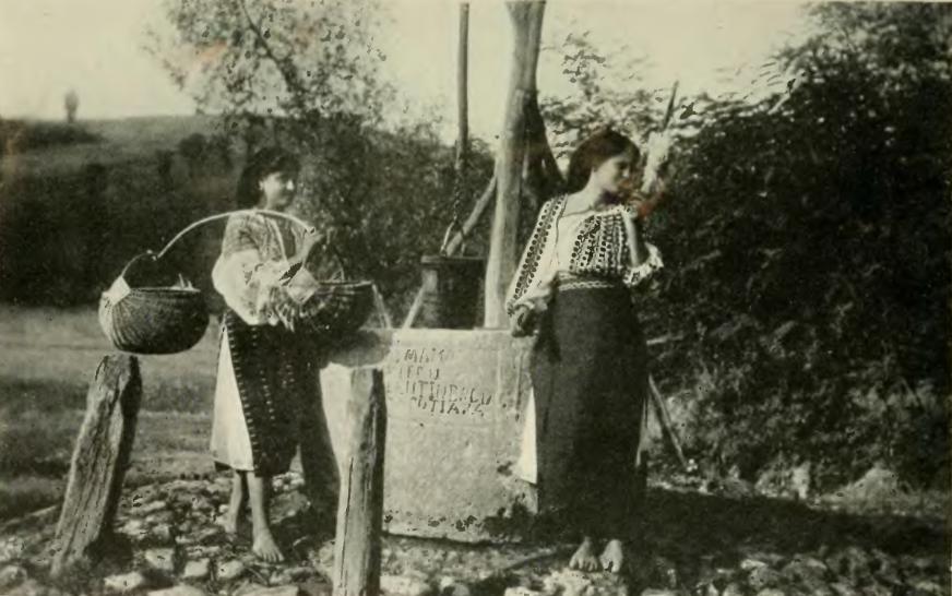 https://ursula.cafeblog.hu/files/2014/03/roman-parasztasszonyok-1921-korul-amit-az-isten-adott-nekik-ezentul-is-ugy-fogjak-hasznalni-min.png